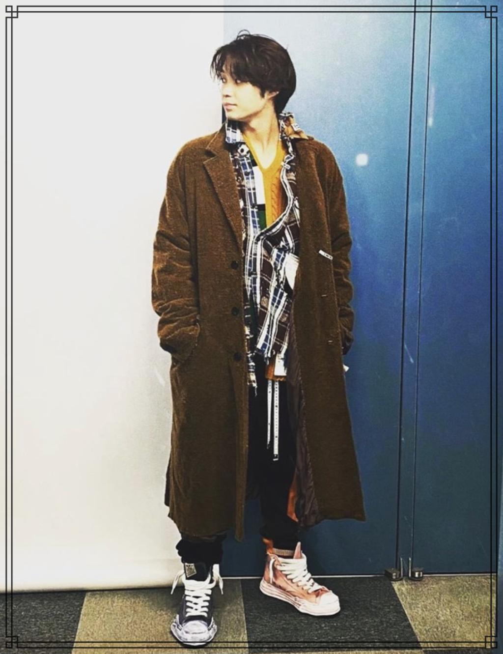 磯村勇斗さんの全身画像