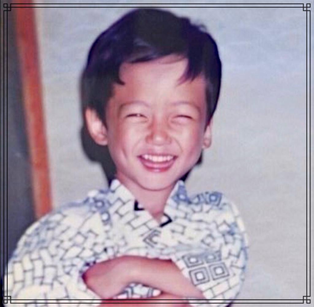 坂口健太郎さんの幼少期の画像