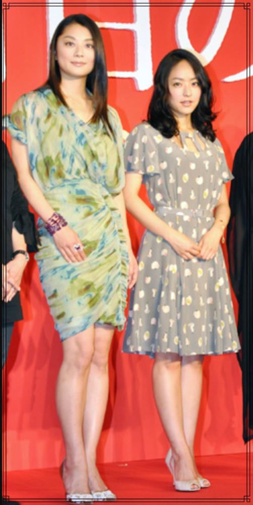 井上真央さんと小池栄子さんの画像