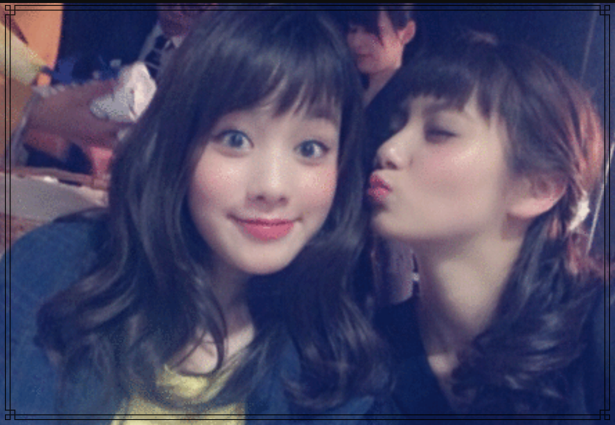 新川優愛さんと筧美和子さんの画像